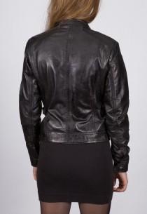 Blouson en cuir LBP femme noir New Tailor.